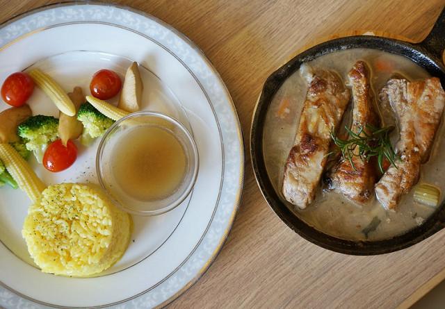 [高雄]小資氣氛餐廳,好吃義麵燉飯排餐-爸爸私廚Le Père 輕食.烘培坊 @美食好芃友