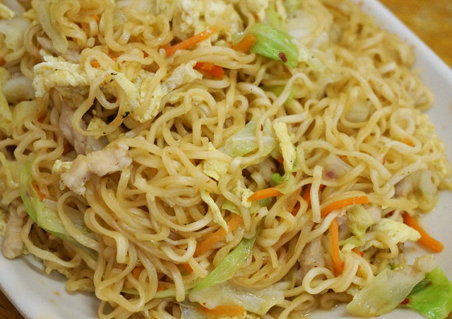 [高雄]泰平的店-平價滇緬泰國小吃X泰式炒泡麵和打拋飯好好吃 @美食好芃友