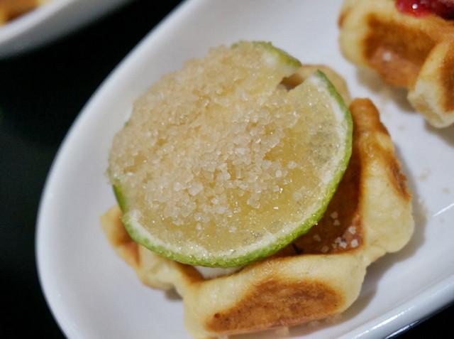 [高雄]小宮廷嚐鬆餅-NANA LADY 比利時烈日鬆餅&咖啡 @美食好芃友