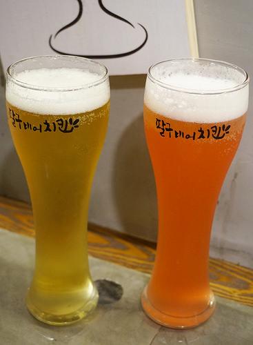 [高雄]酸甜炸雞X啤酒的墮落享受-八九啤酒炸雞팔구비어치킨 @美食好芃友