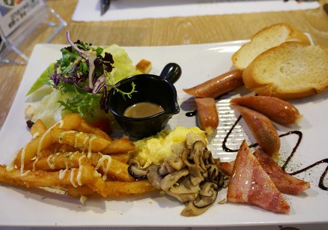 [高雄]好氣氛豐盛早午餐-Is義式餐廳高雄店 @美食好芃友