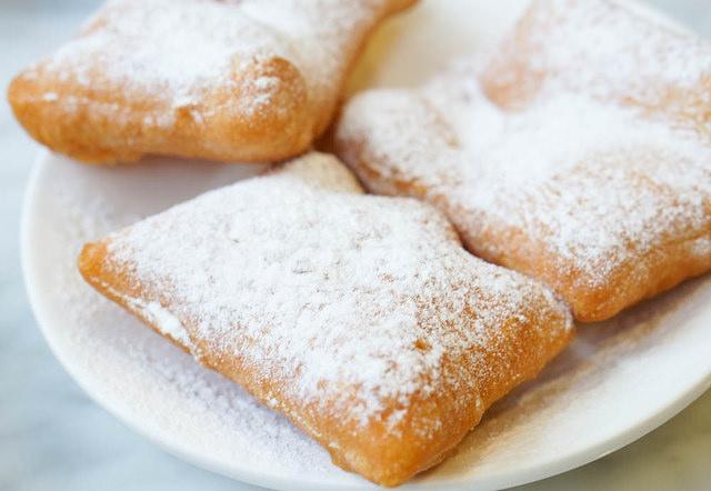 [高雄]銅板價下午茶!不甜膩的紐澳良法式甜甜圈-Beignets @美食好芃友