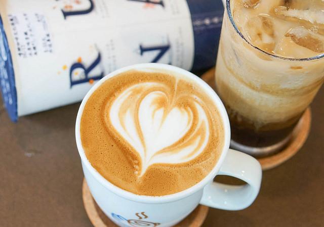[高雄]質感咖啡帶著走!平價外帶咖啡連鎖-嚕娜咖啡RUNA CAFE's @美食好芃友