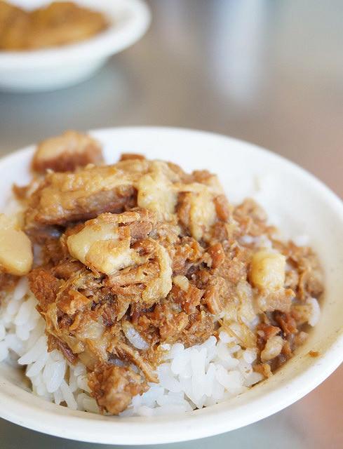 [高雄]在地老牌肉燥飯-錦田路郭肉燥飯 @美食好芃友