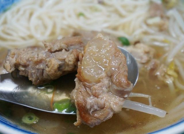 [台南]在地人推薦!入口即化美味軟骨飯-聖記軟骨飯 @美食好芃友