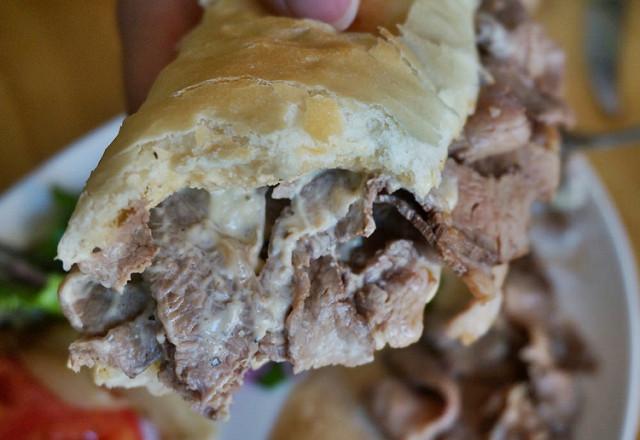 [高雄]肉控不能錯過!?限量美味吮指牛肉堡-SANN Tè @美食好芃友