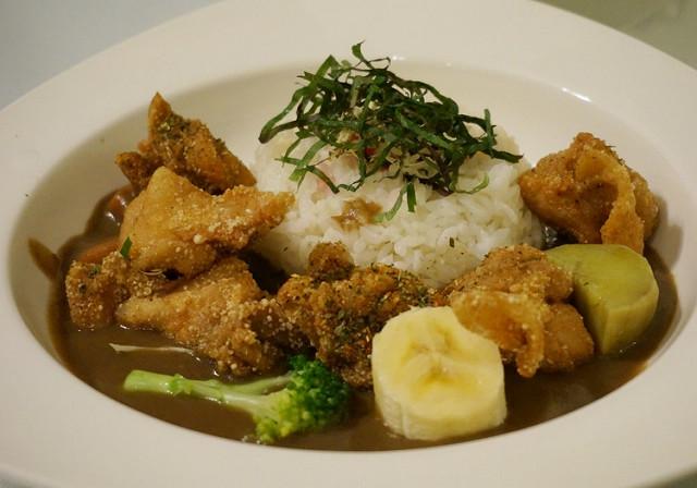 [台南]週末限定! 平價美味日式咖哩, 大推湯咖哩烏龍麵-橫須賀海軍咖哩 @美食好芃友