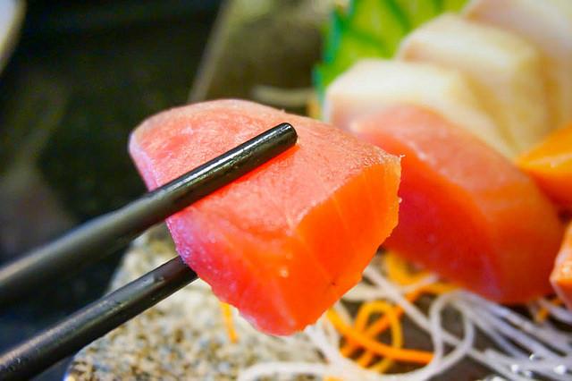 [高雄]隱藏巷弄,高C/P值精緻美味生魚片握壽司-藤壽司專賣店 @美食好芃友