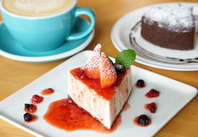 [高雄]低調質感手工甜點X手沖精品咖啡-Buff Café 巴浮咖啡 @美食好芃友